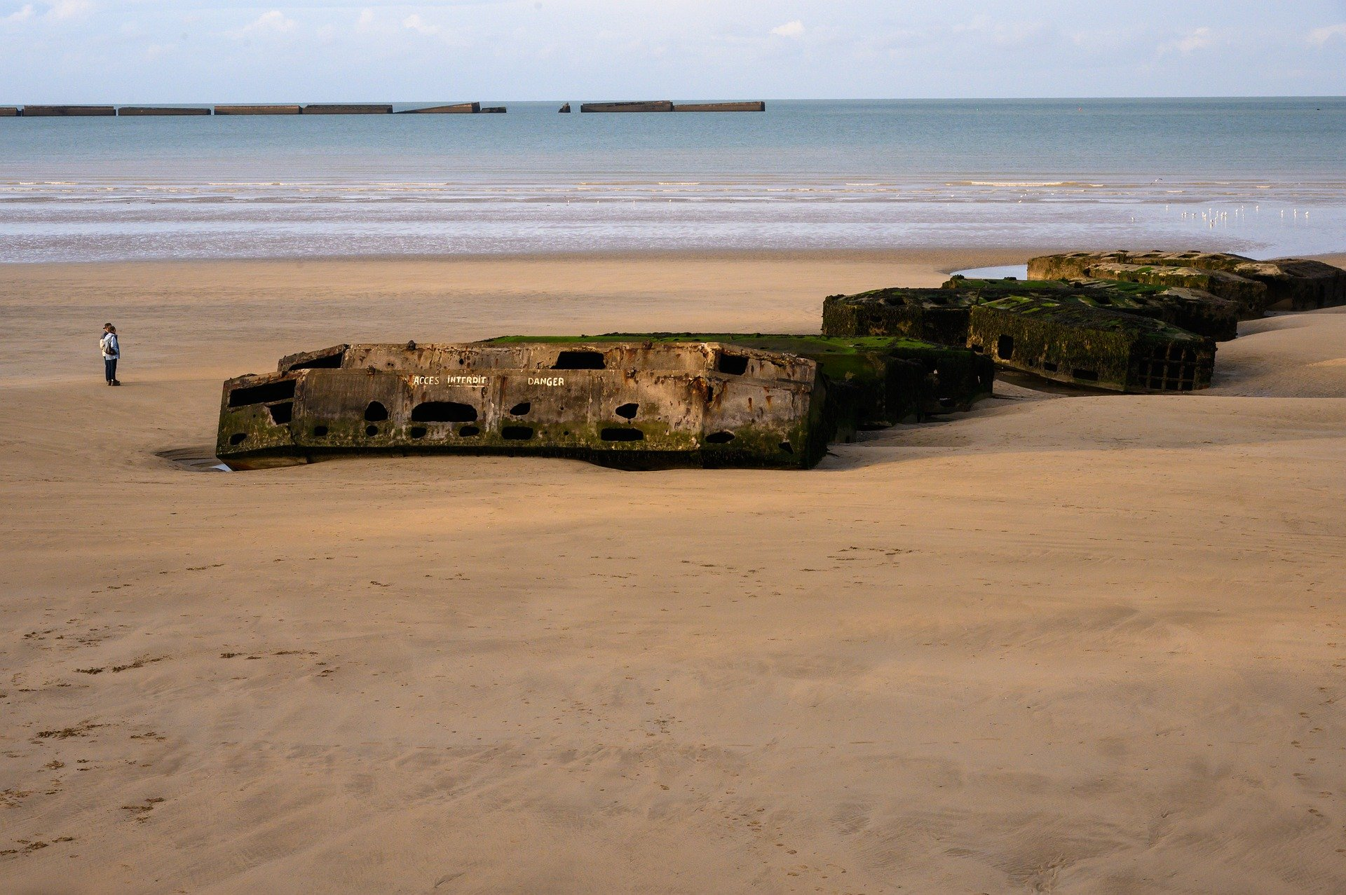 dday beach in normandy