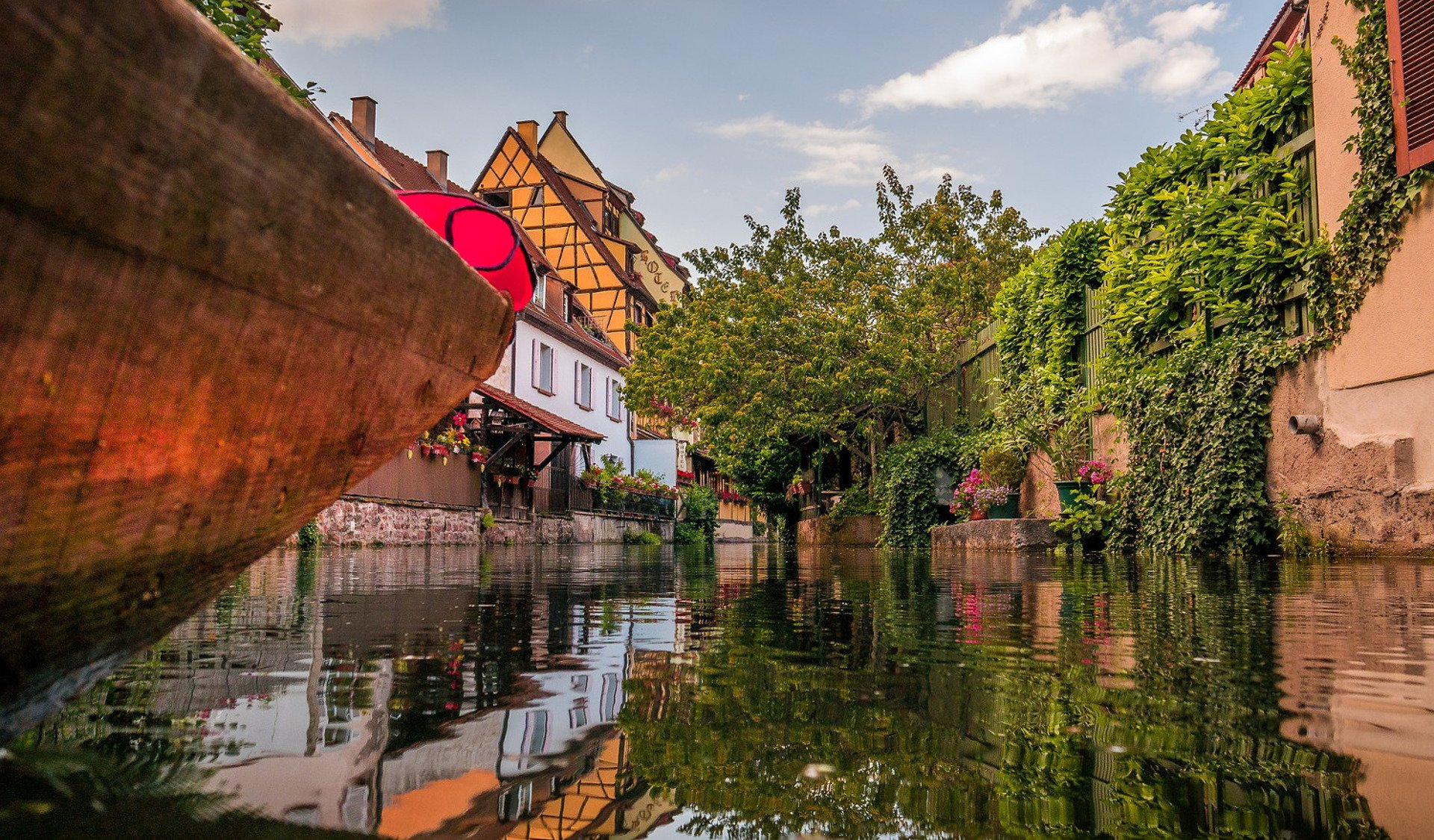 boat-canals-private tour-Colmar-Alsace-France