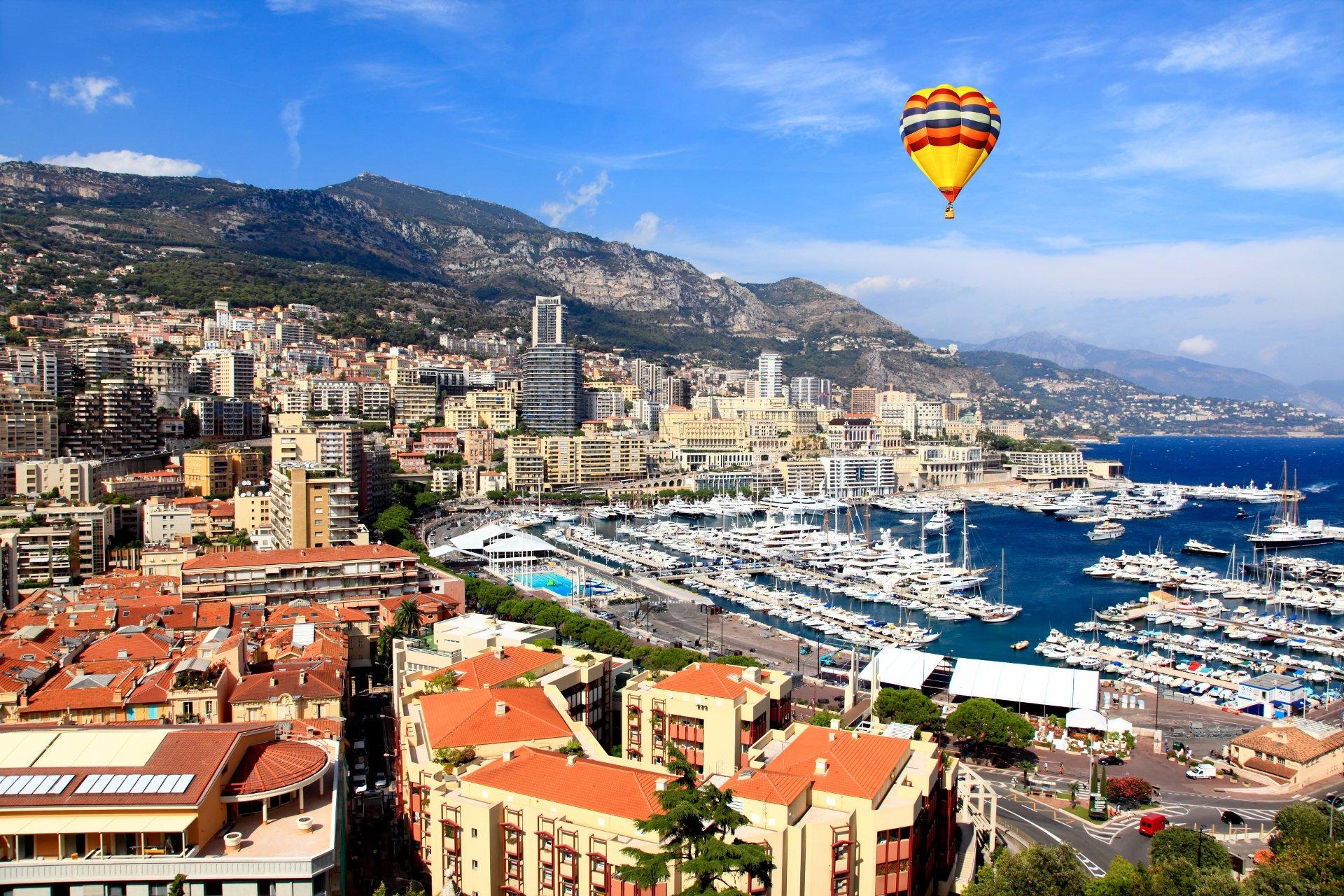 vue aerienne du port de Monaco