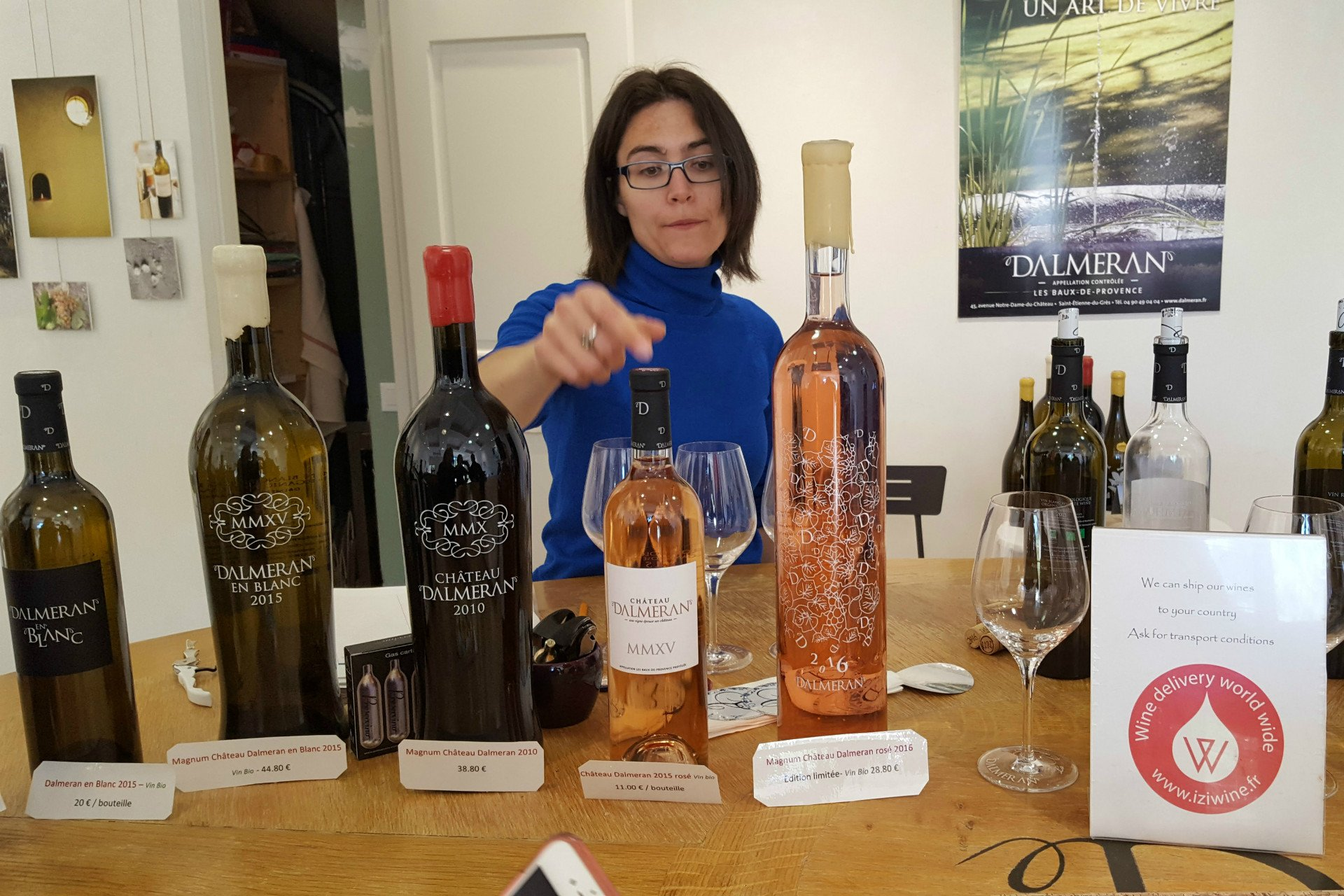 woman-wines-Saint Remy de Provence-Alpilles-Provence-France