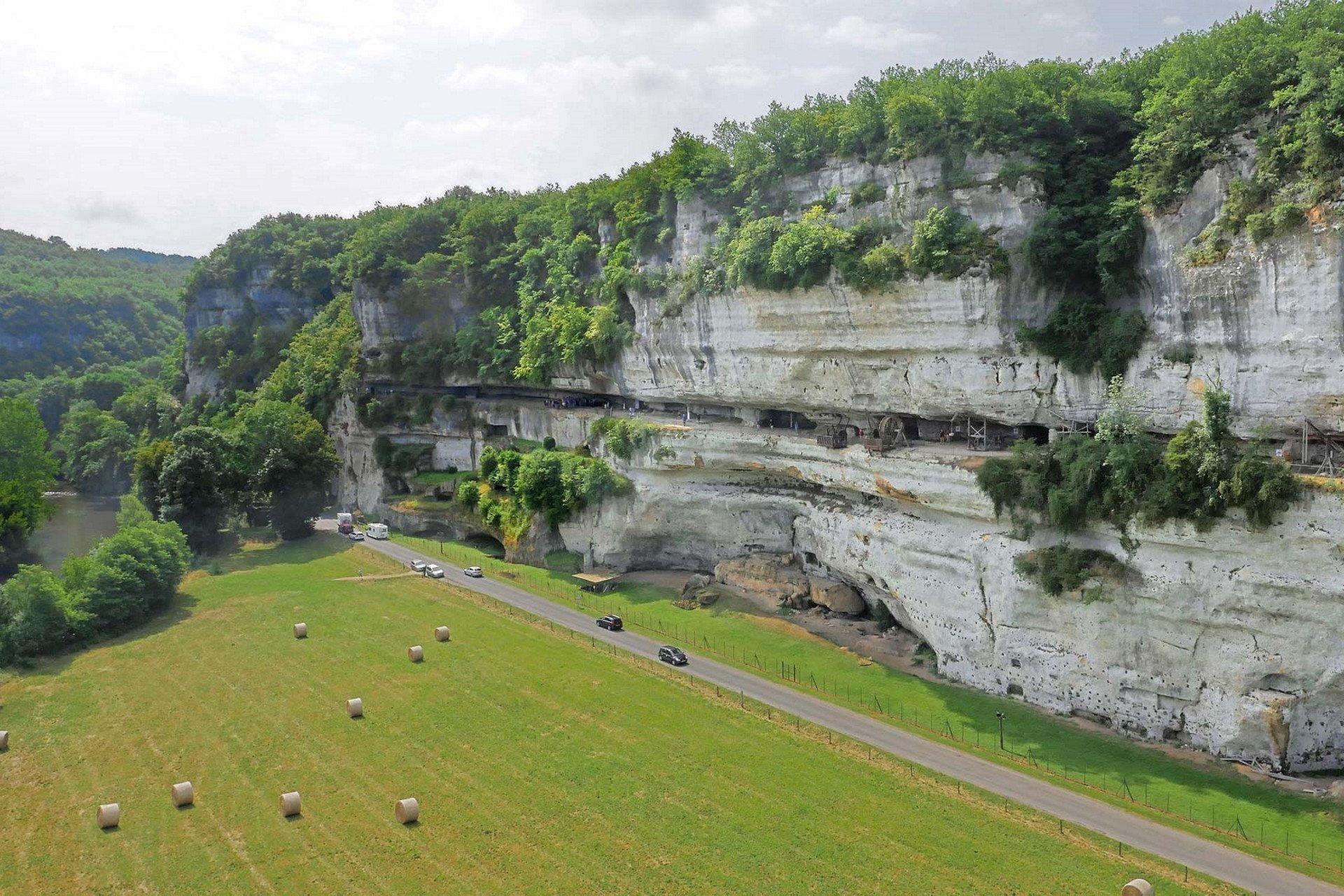 private tour-Perigord-Dordogne-Vezere-Cougnac-Sarlat-France
